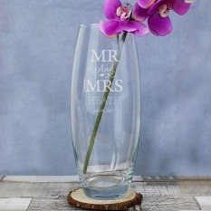 Hampers and Gifts to the UK - Send the Personalised Mr and Mrs Vase