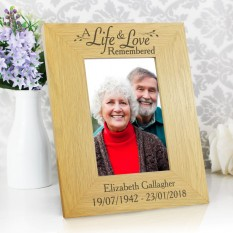 Hampers and Gifts to the UK - Send the Personalised Life and Love Memorial Photo Frame