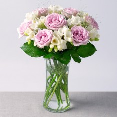 Hampers and Gifts to the UK - Send the Freesias and Roses