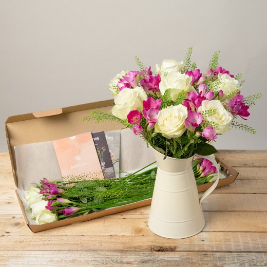 Hampers and Gifts to the UK - Send the Grace Letterbox Flowers