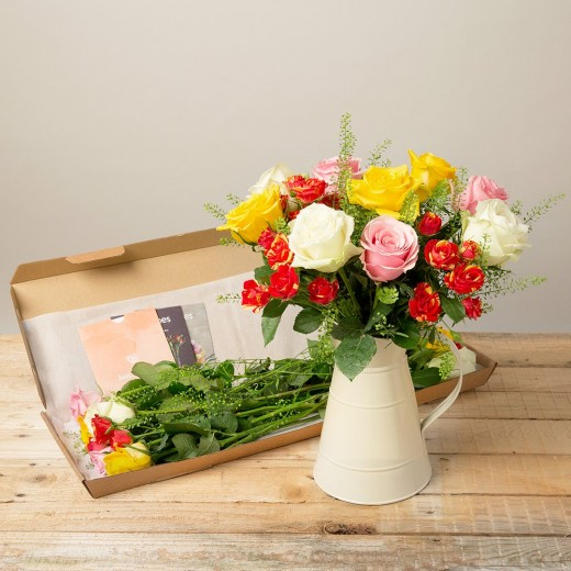 Hampers and Gifts to the UK - Send the Isabella Letterbox Flowers