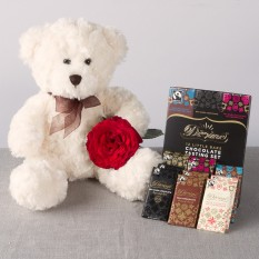 Hampers and Gifts to the UK - Send the Teddy Rose and Chocs