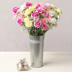Hampers and Gifts to the UK - Send the Birthday Flower Bouquet with Choice of Cake