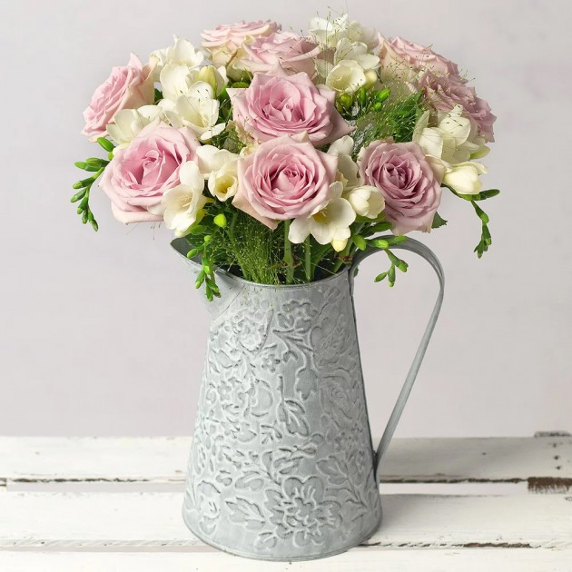 Hampers and Gifts to the UK - Send the Freesias and Roses Bouquet