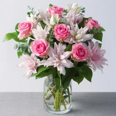 Hampers and Gifts to the UK - Send the Rose and Lily Bouquet