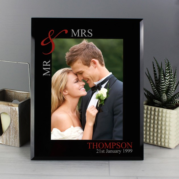 Hampers and Gifts to the UK - Send the Personalised Black & Ruby Glass Photo Frame