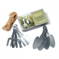 Hampers and Gifts to the UK - Send the Birds Away Gift Set