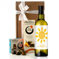 Hampers and Gifts to the UK - Send the Personalised Enjoy Every Moment of Summer Wine Gift