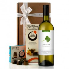 Hampers and Gifts to the UK - Send the Personalised Lucky Clover Wine Gift