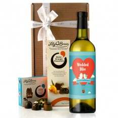 Hampers and Gifts to the UK - Send the Wedded Bliss Wine Gift