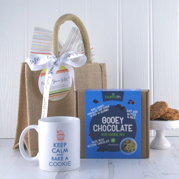 Hampers and Gifts to the UK - Send the Gooey Chocolate Mug Gift Set