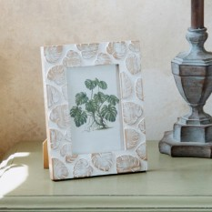 Hampers and Gifts to the UK - Send the Wooden Cheese Plant Style Photo Frame