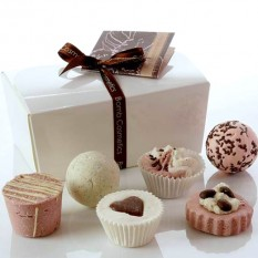 Hampers and Gifts to the UK - Send the Ballotin Gift Set - Chocolate