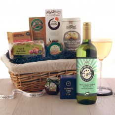 Hampers and Gifts to the UK - Send the Father's Day Classic Luxury Hamper
