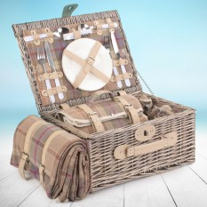 Hampers and Gifts to the UK - Send the Classic Tartan Picnic Basket for Two