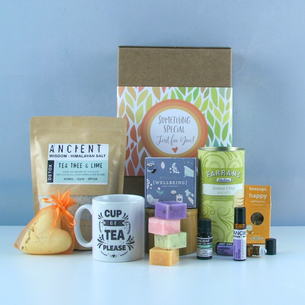 Hampers and Gifts to the UK - Send the Cup of Tea and Detox Pamper Hamper