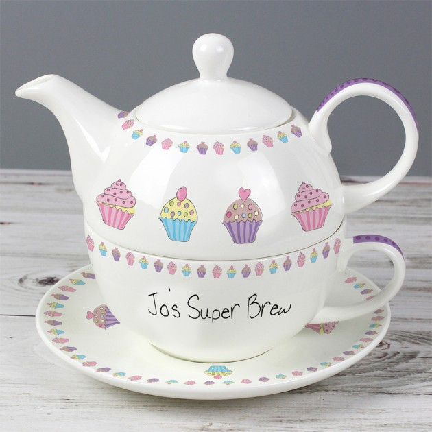 Hampers and Gifts to the UK - Send the Personalised Cupcake Tea for One