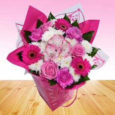 Hampers and Gifts to the UK - Send the Simply Pink Flowers