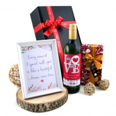 Hampers and Gifts to the UK - Send the Beautiful Dream Come True Gift Box