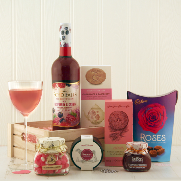 Hampers and Gifts to the UK - Send the Red Fruit Fusion Hamper