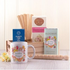 Hampers and Gifts to the UK - Send the Garden Angel Luxury Gift Basket