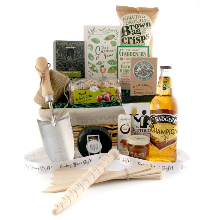 Champion gardener hamper with food and beer for Gardening gifts for him