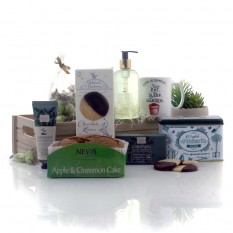 Hampers and Gifts to the UK - Send the Gardener's Therapy Luxury Hamper
