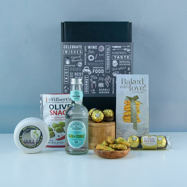 Hampers and Gifts to the UK - Send the Gin With Love Hamper