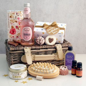 Hampers and Gifts to the UK - Send the Gift Baskets
