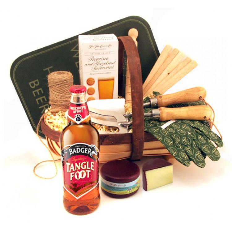 Gardening gifts for men garden trug with beer and tools for Gardening gifts for men