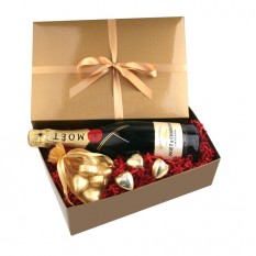 Chocolate Hearts Gift Box with Moet Chandon