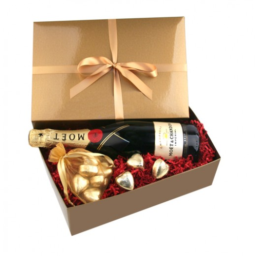 Hampers and Gifts to the UK - Send the Chocolate Hearts Gift Box with Moet Chandon
