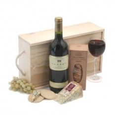 Hampers and Gifts to the UK - Send the Claret and Stilton Gift Box