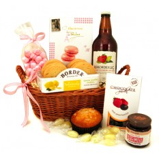 Hampers and Gifts to the UK - Send the Strawberries and Lemons Gift Basket