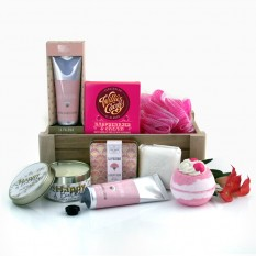 Hampers and Gifts to the UK - Send the A Touch of Glamour Pamper Hamper