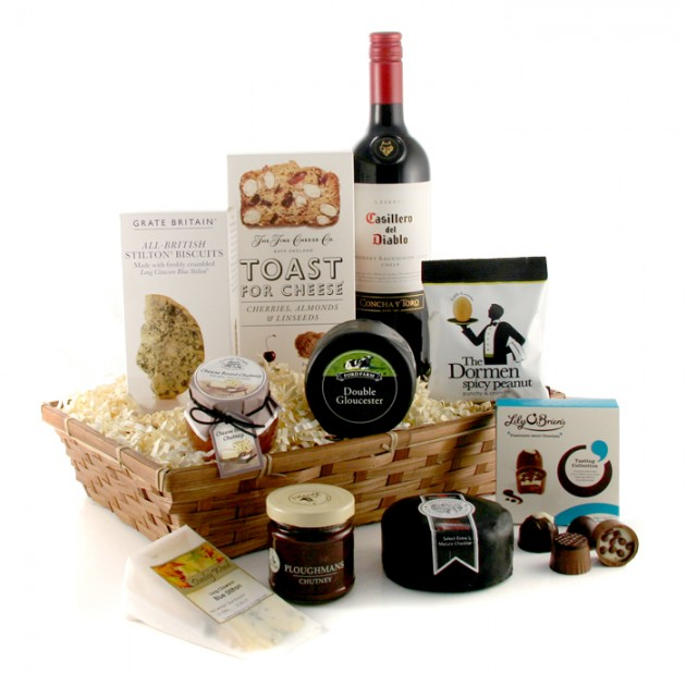 Hampers and Gifts to the UK - Send the Cheese Lover's Luxury Hamper