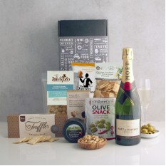 Hampers and Gifts to the UK - Send the Moet Chandon and Gourmet Delights Hamper