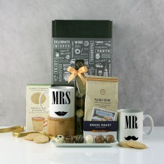 Hampers and Gifts to the UK - Send the Mr and Mrs Lady & Gentleman Hamper