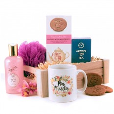 Hampers and Gifts to the UK - Send the Mrs Miracles Tea and Biscuits Hamper