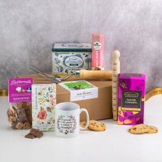 Hampers and Gifts to the UK - Send the Gardener's Luxury Tea & Treats Hamper