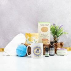And Relax Luxury Aromatherapy Gift Basket