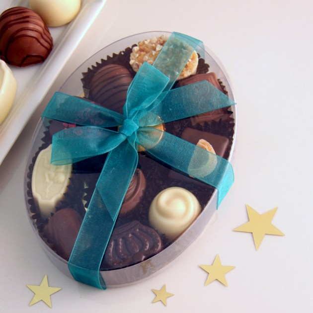 Hampers and Gifts to the UK - Send the Chocolate Assortment - Oval Gift Box