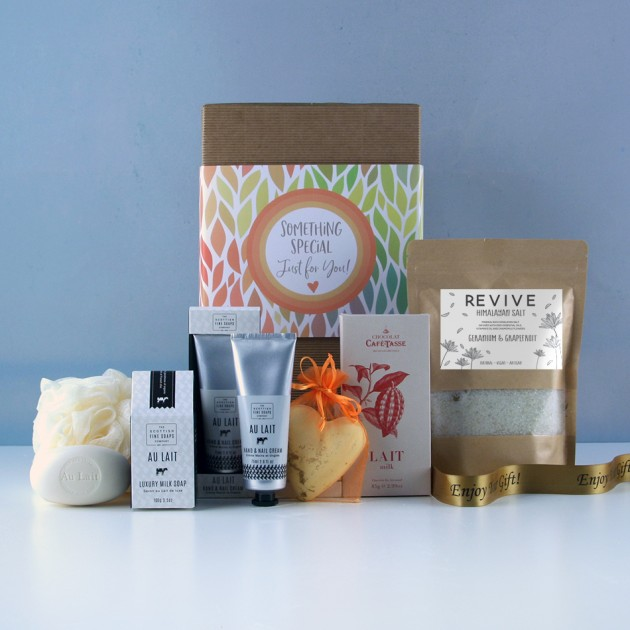 Hampers and Gifts to the UK - Send the Pamper and Revive Gift Box