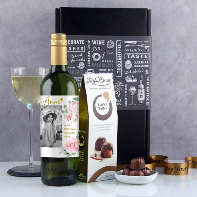 Hampers and Gifts to the UK - Send the Personalised Photo Peony Wine Gift Set