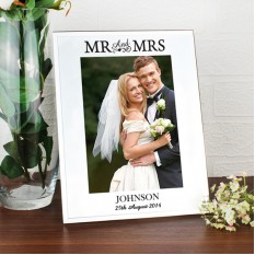 Hampers and Gifts to the UK - Send the Personalised Mirrored Mr and Mrs Glass Frame
