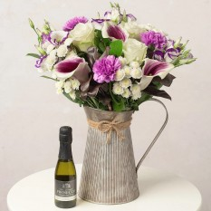 Hampers and Gifts to the UK - Send the Picasso Flowers with Prosecco