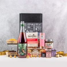 Hampers and Gifts to the UK - Send the  Pretty and Pink Strawberries & Cream