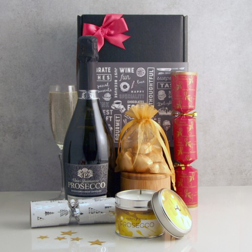 Hampers and Gifts to the UK - Send the Prosecco Christmas Wishes Hamper