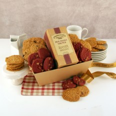 Hampers and Gifts to the UK - Send the Red Velvet Crunch Tray