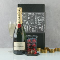 Hampers and Gifts to the UK - Send the Champagne and Chocolate Praline Hearts